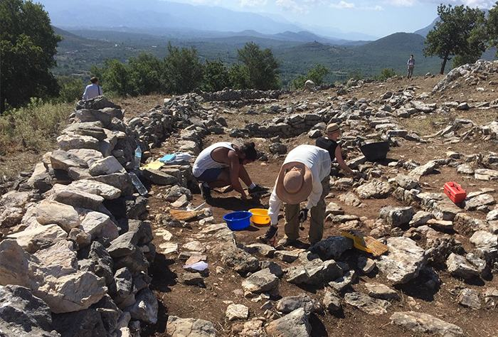 Fig. 3: Work during the recent excavations at the Malthi settlement.